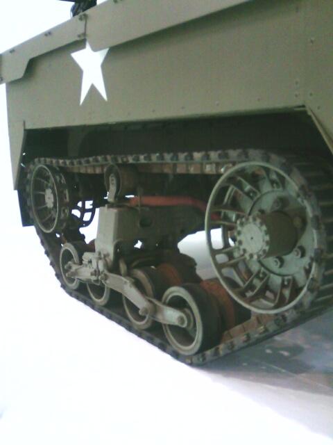 ��(i150)(*^^*)ノ おはようございます。 静岡ホビーショー'18特別展示 自走対空機銃M16『スカイクリーナー』キャタピラー部分(i160)
