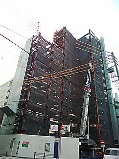 🌟_(※^^※)ゞ こんばんわ 明日、当ホムペは「開業3000日」を迎えます。(画像は建設中のホテルプリブェ)