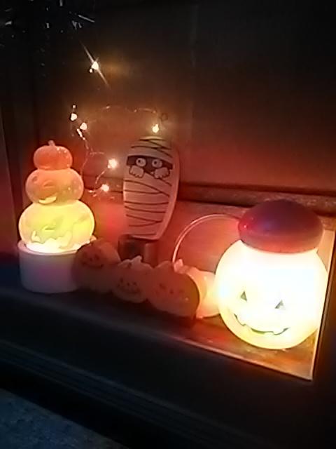 ⭐️🌟🎃_(※^^※)ゞ happy HALLOWEEN! 今夜は特別な飾りつけしました。